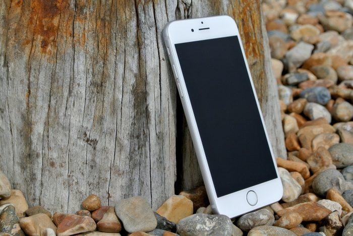 Refurbished iPhone in de natuur
